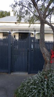 Feature Picket Fence in Hawthorn